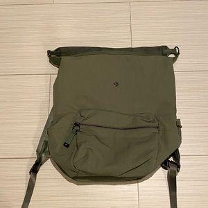 Lululemon Easy days green 2 in 1 backpack